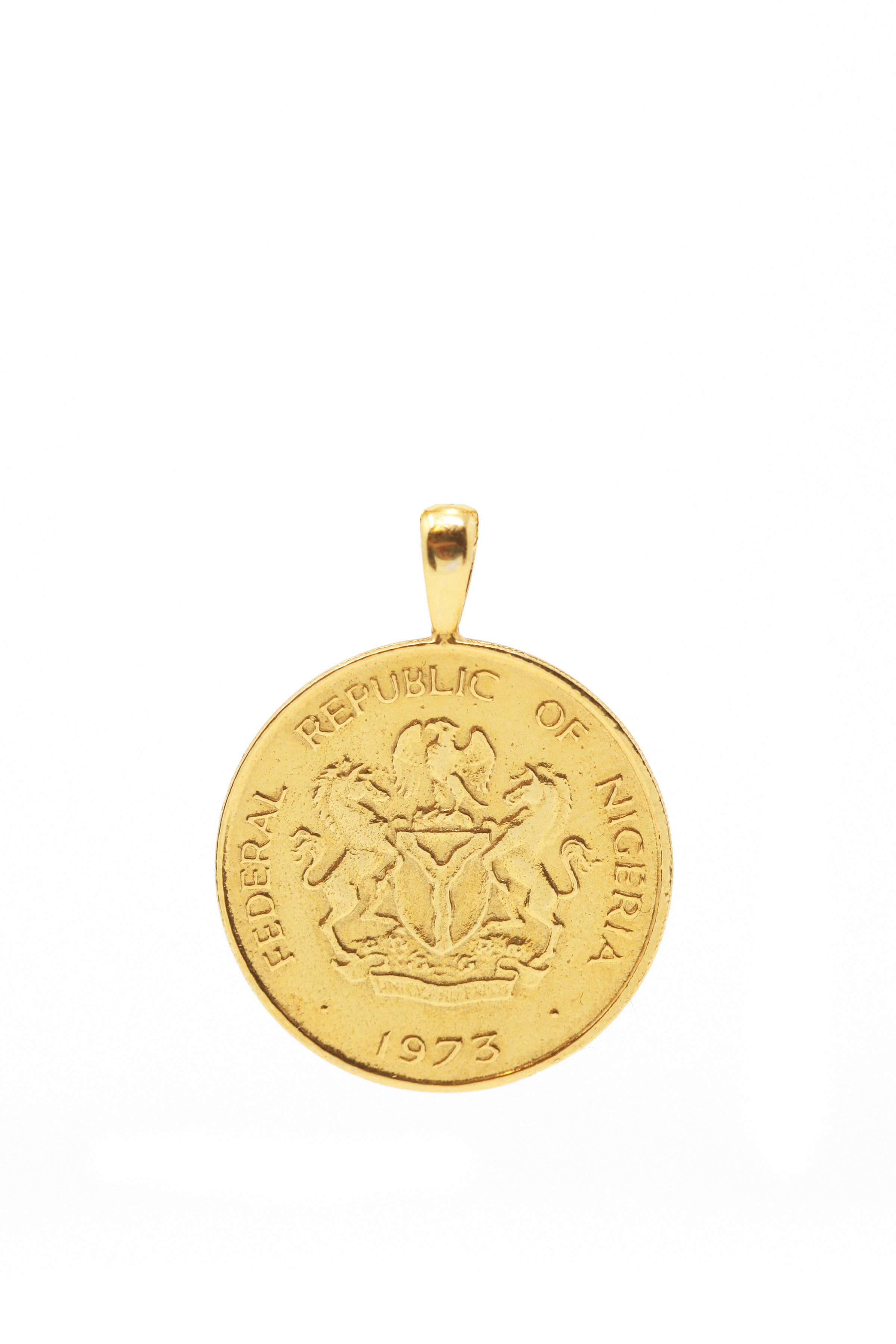 THE TOGGLE IV Necklace with Coin Pendant