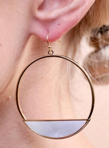 Lennox Earrings - Pearl