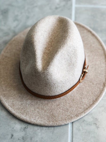 Turn Key Hat - Ivory