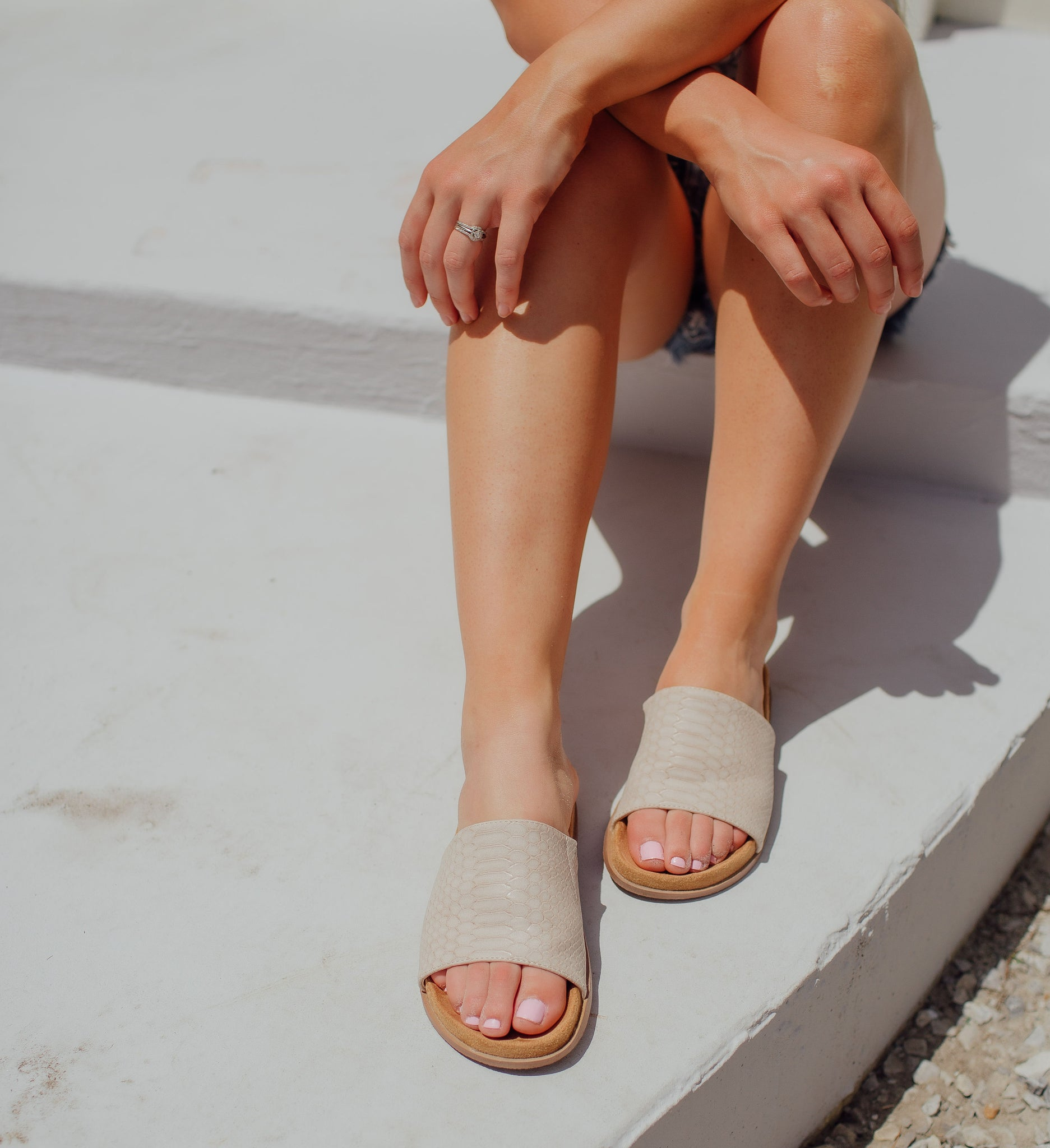 Be Basic Beige Sandal