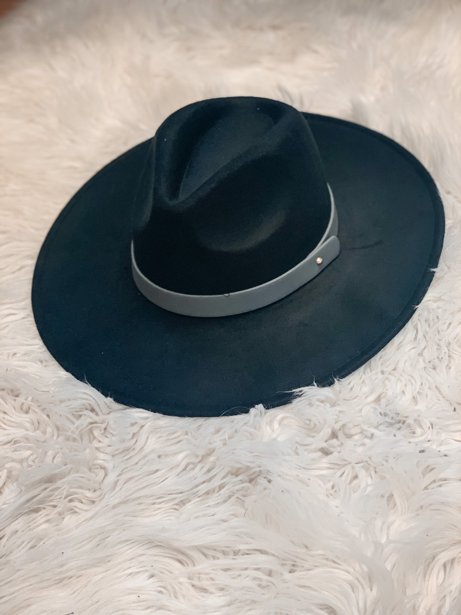 Hey There Hat - Black