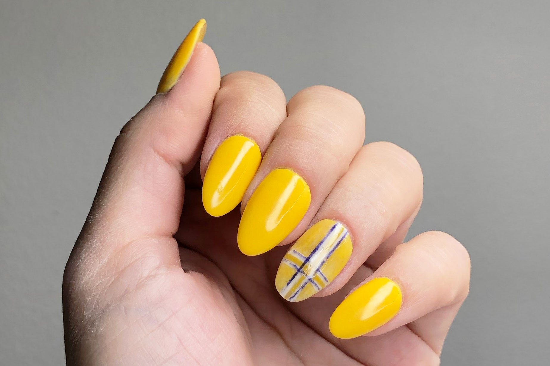 Plaid nail art inspired by Cher's jacket in Clueless  Plaid nails in yellow and blue  Plaid nail art | dip nail process