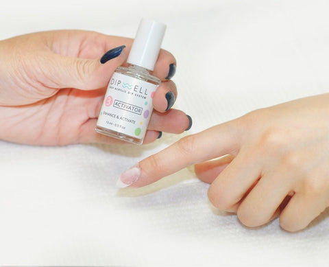 Dip Nails Tip: How-To Do French Nail By Dipping