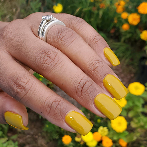 yellow fall nail colors