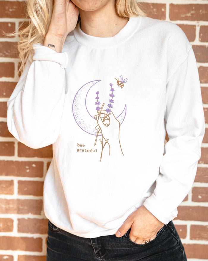 Bee Grateful. Colored - Organic Crew Sweatshirt