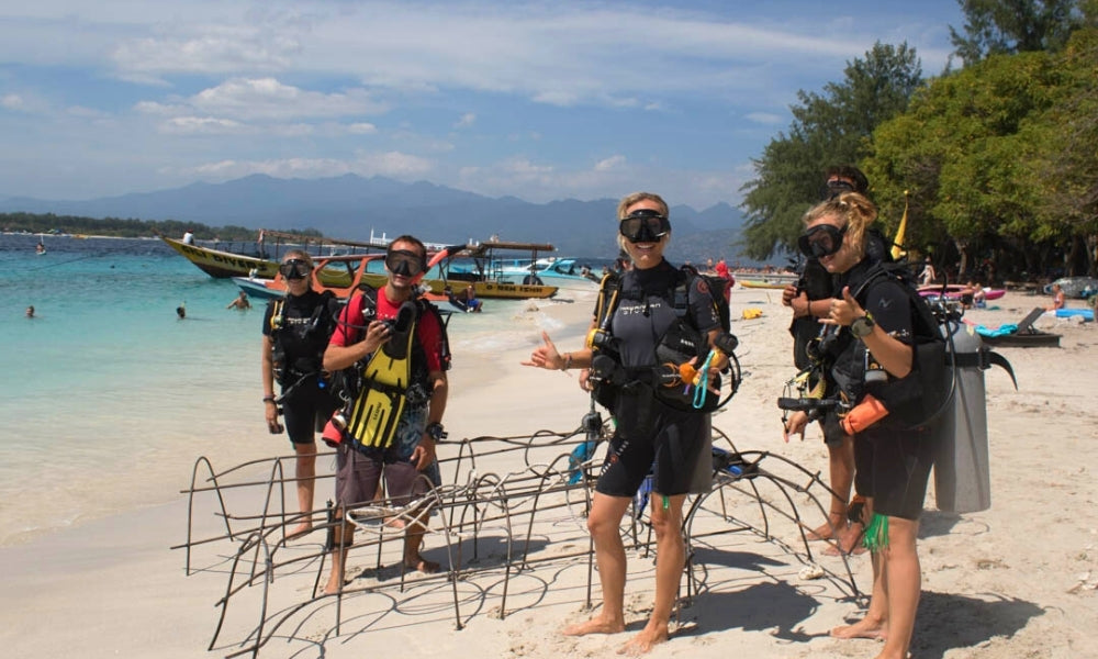 PIYOGA Bali Giili Eco Trust Sea Turtle Conservation Project Sustainable Fashion Blue Ocean Diving Sea