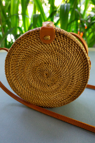 PI Yoga Pants Rattan Bag Boho Look