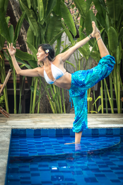 Zarina modeling the PIYOGA Endless Summer Collection - Blueberry Mojito