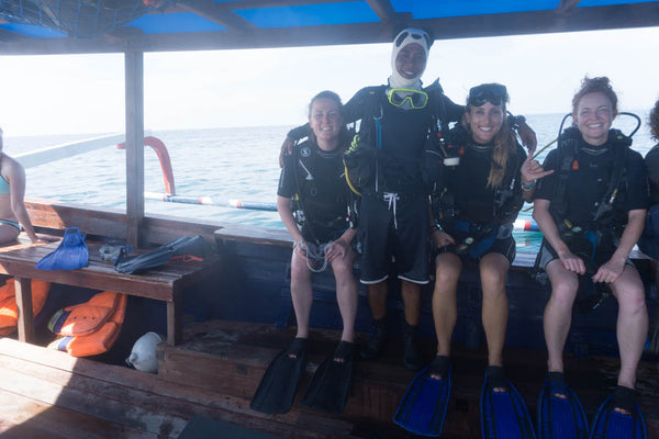 PIYOGA diving team. PIYOGA ocean conservation. Save the sea turtles