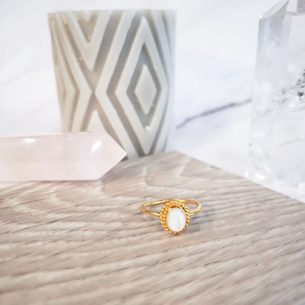 White Oval Mother of Pearl - Gold Ring with White Mother of Pearl Shell