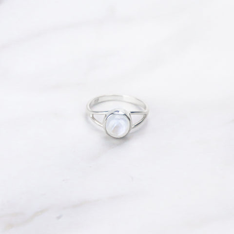products/FullMoonStone-SilverRingJewelryRings_2.jpg