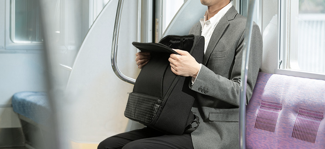 Even though it is a backpack, it can be opened just a little and its contents can be grasped at a glimpse