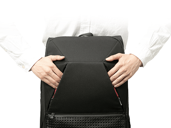 it is convenient to have a front pocket that you can access both from the left and from the right