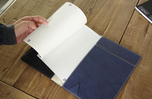 Customize your way by inserting A5-size notebooks or diaries