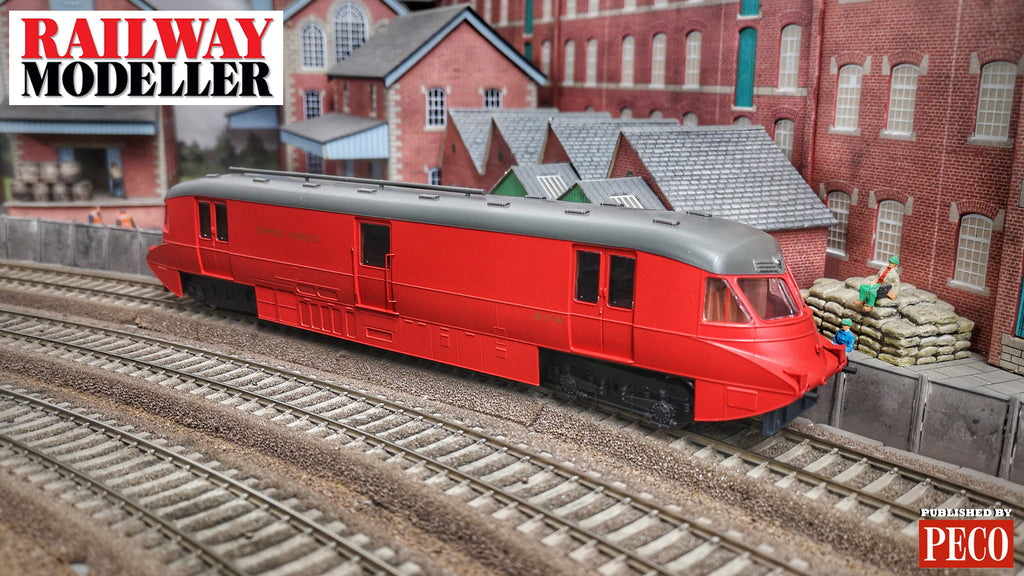 NEW VIDEO - Dapol GWR Streamlined Parcel Railcar