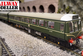 NEW VIDEO - Bachmann Class 117 DMU - Railway Modeller - August 2020