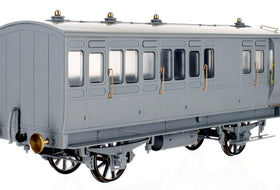 Dapol Stroudley 4 wheel coaches Break Cover!