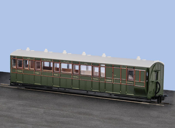 OO-9 Brake Composite Coach SR Livery No 6993