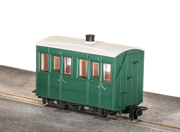 OO-9 4 Wheel Enclosed Side Coach Green