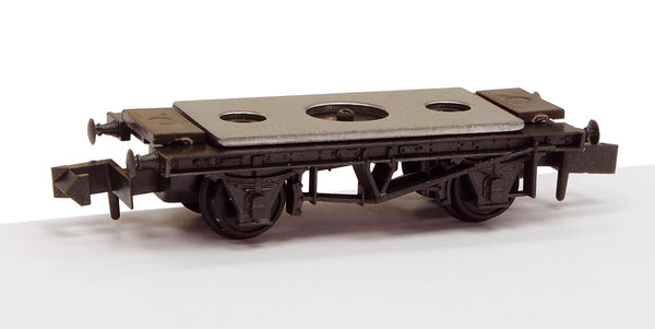 PECO Model Trains | 10ft WB Wagon Chassis, Steel Type Sole Bars with Disc Wheels