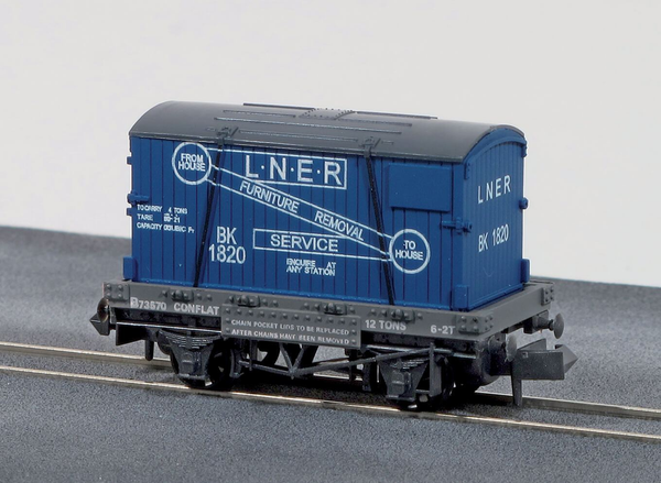 LNER Furniture Removals Conflat Wagon with Container