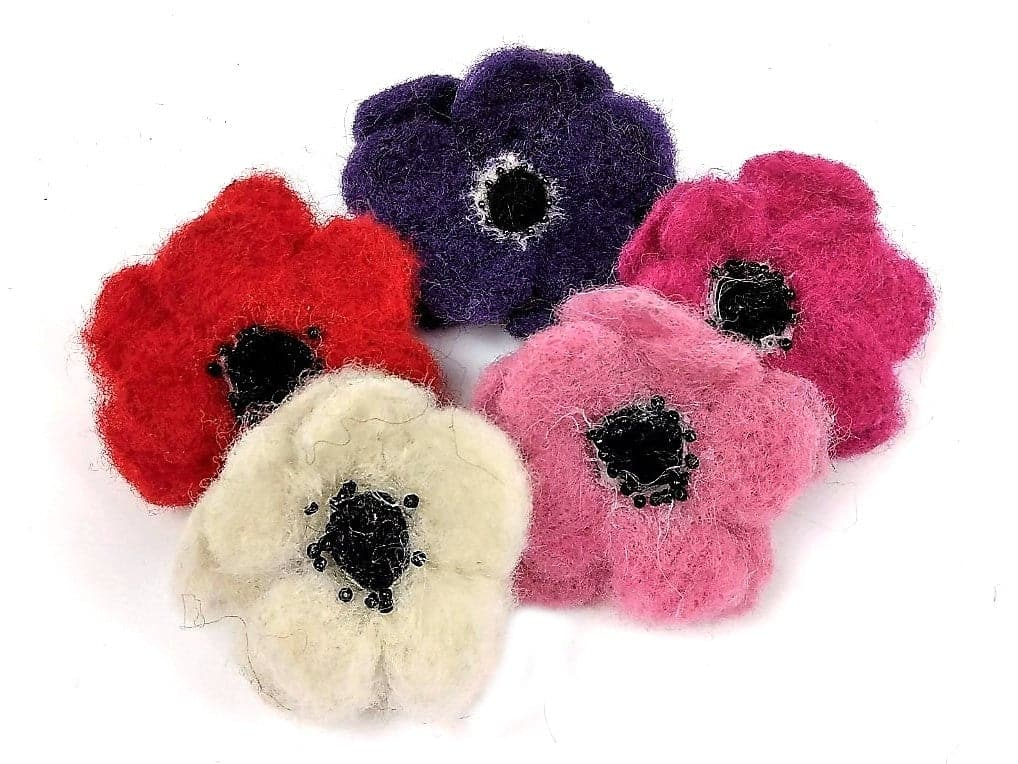 Flower Brooch Needle Felt Kit - makes 5 pretty brooches