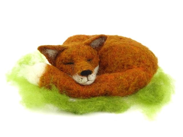 Large Curled Up Fox Needle Felting Pack - no tools
