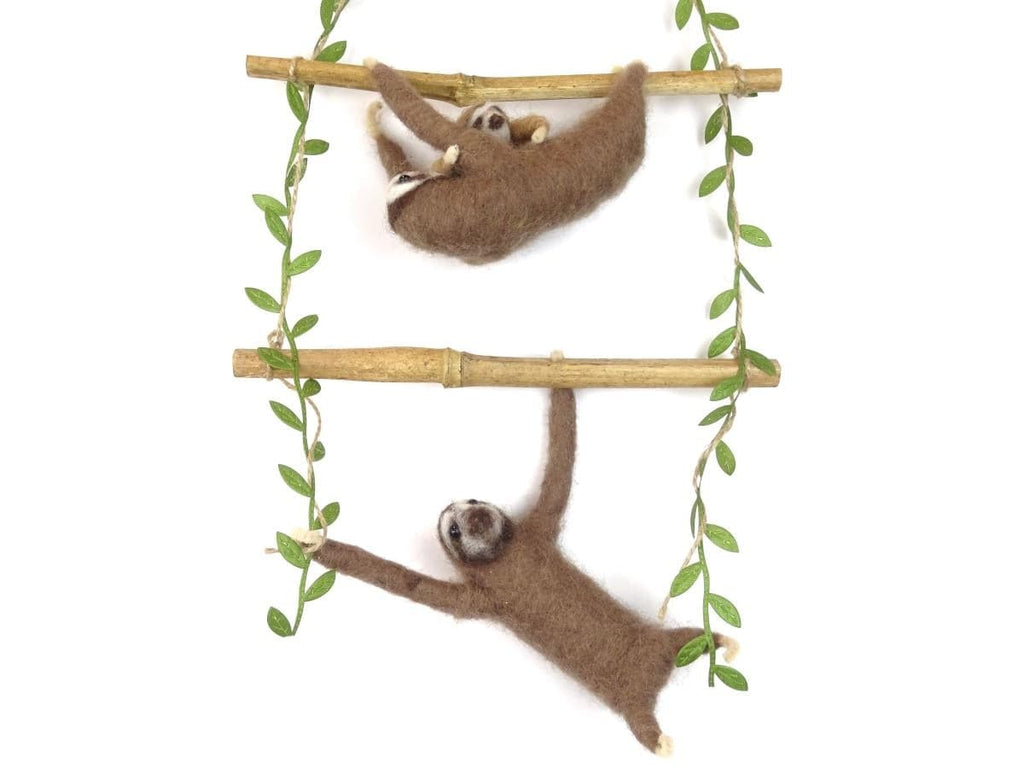 Sloth Family Wall Hanging Needle Felt Pack (no tools)