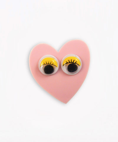 HEART GOOGLY EYES PIN