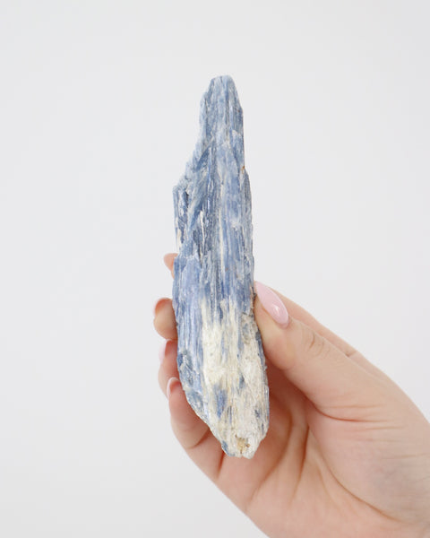 Kyanite - Spiritual Journey / Authenticity / Higher Consciousness