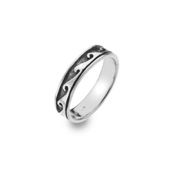 Yin and Yang wave ring