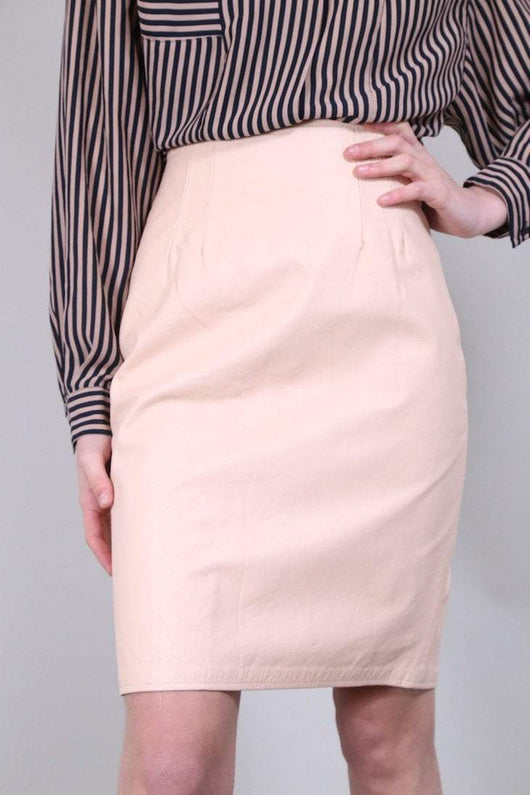 Loot Vintage Skirt 8 / Peach Peach Leather Skirt