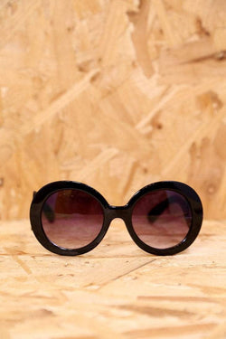 Loot Vintage Sunglasses Oversized Black Sunglasses with Swirl Arms