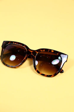 Loot Vintage Sunglasses Tortoiseshell Winged Sunglasses