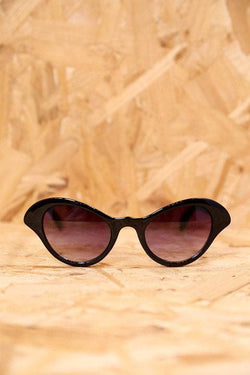 Loot Vintage Sunglasses Winged Black Cat Eye Sunglasses