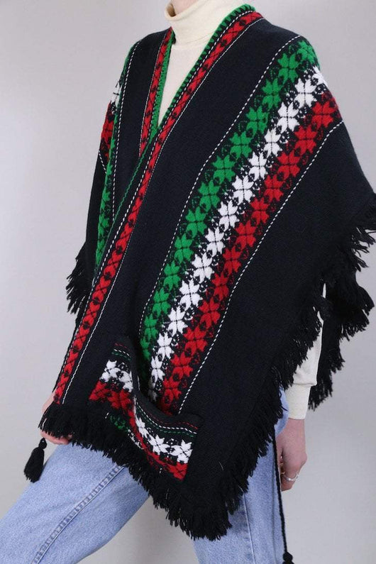 Loot Vintage Top One size / Black Crochet Short Poncho