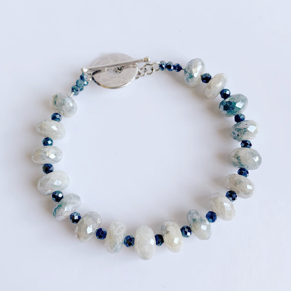 Load image into Gallery viewer, Leilia Blue Moonstone Bracelet