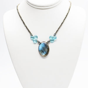 Load image into Gallery viewer, Labradorite and Apatite Pendant Necklace