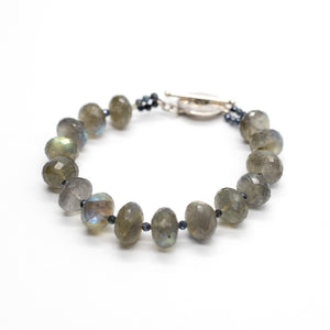 Load image into Gallery viewer, Leilia Labradorite Bracelet