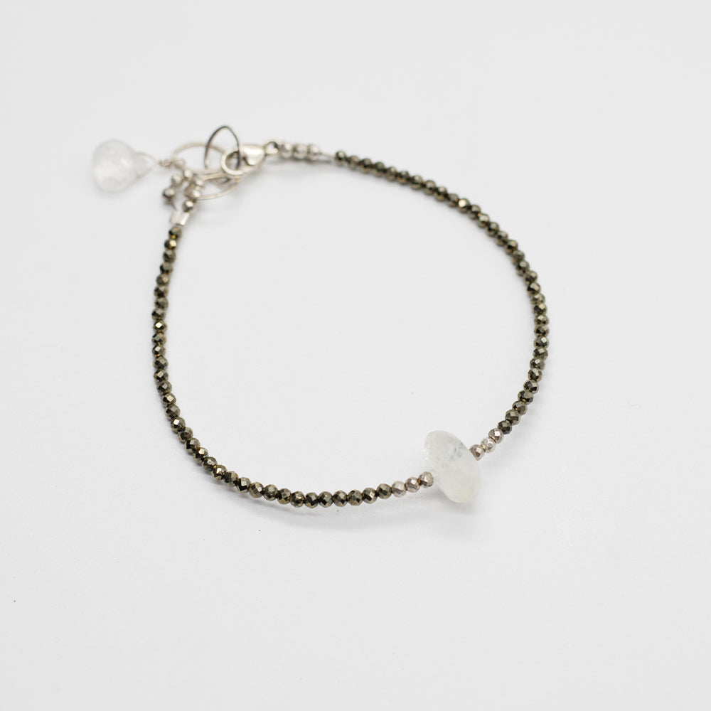 Load image into Gallery viewer, Moonstone Luna Simple Bracelet