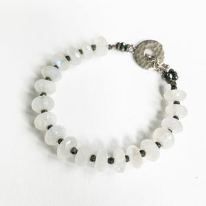 Load image into Gallery viewer, Leilia Moonstone Bracelet