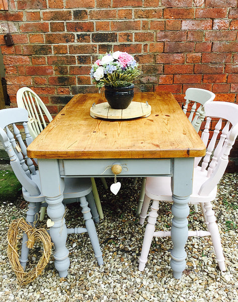 Barn-find 'reclaimed' top 6 seater pairs grey vintage table