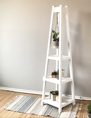 DIY Plant stand with three tiers that holds plants