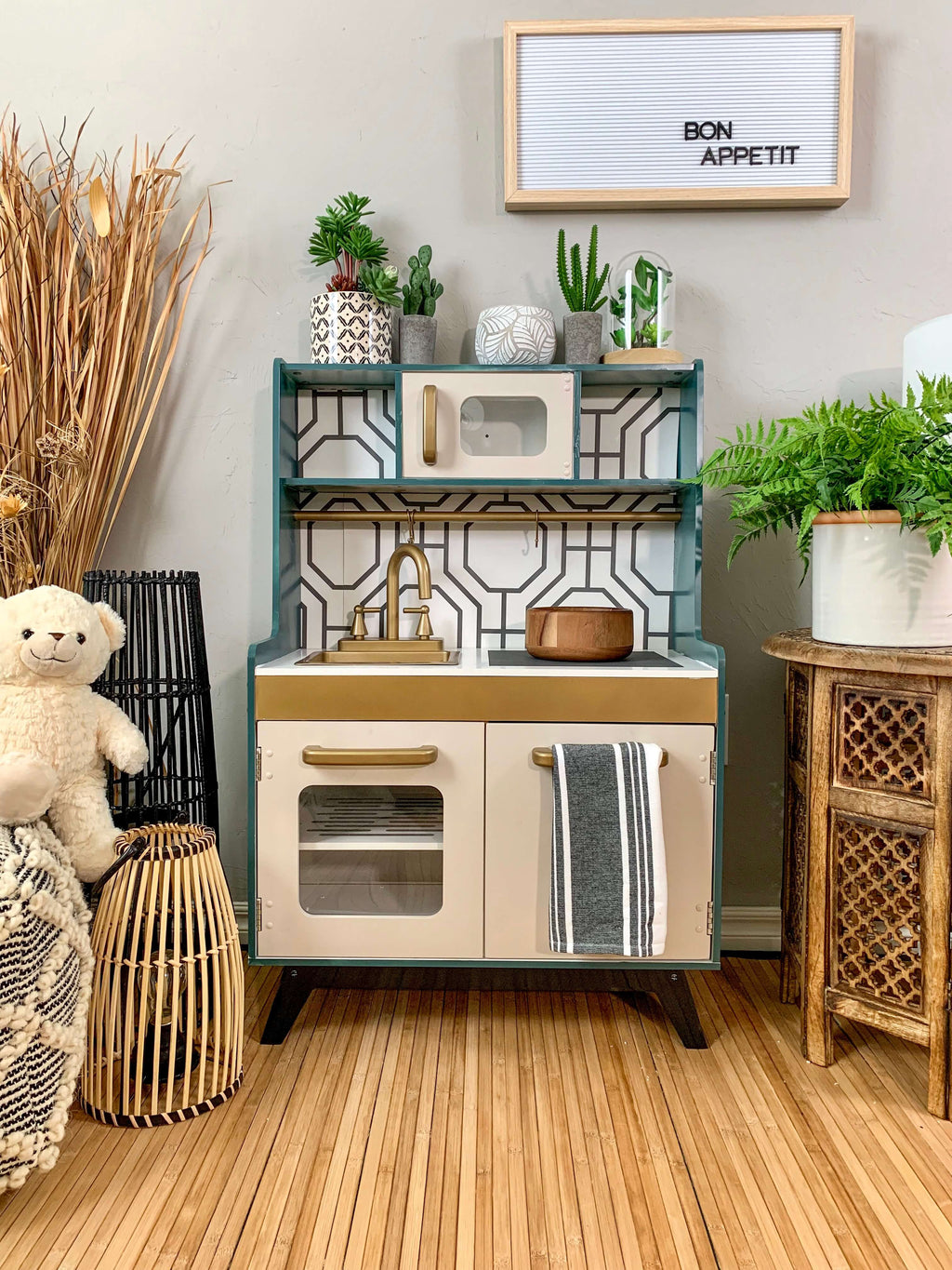 DIY Kid's Play Kitchen Hack
