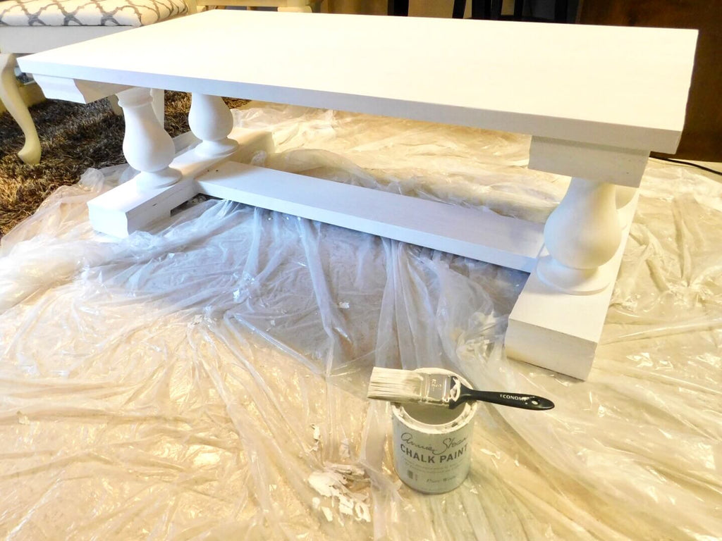 DIY Coffee table painted with Annie Sloan Chalk Paint - Pure White