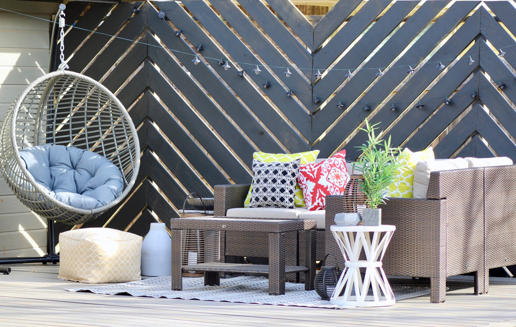DIY Floating Deck featuring a Chevron Privacy wall and NewTechWood Composite decking for the backyard