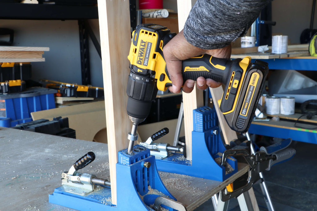 Using ATOMIC 20-Volt MAX Lithium-Ion Cordless Hammer Drill/Impact Combo Kit and Kreg jig to drill pocket holes into wood