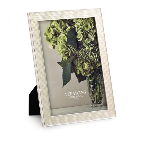 Vera Wang With Love Pearl Photo Frame 20cm by 25cm