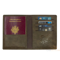 Hogwarts Passport Cover (harry potter)