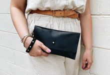 Load image into Gallery viewer, Horween USA Clutch